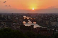 Vista da ponte de Vecchio, Itália foto de stock