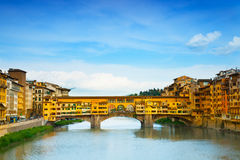 Vista da ponte do ouro (Ponte Vecchio) Foto de Stock Royalty Free