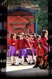 Vista da porta da escola fotografia de stock royalty free