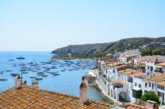Vista da praia de Cadaques fotografia de stock royalty free