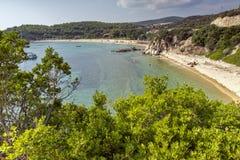 Vista da praia de Tristinikouda, Chalkidiki, Sithonia, Macedônia central Imagem de Stock Royalty Free