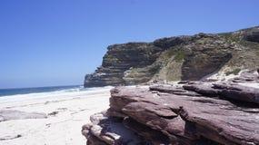 Vista da praia e das rochas Imagem de Stock