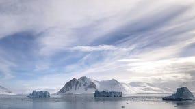 Vista da rocha vermelha Ridge, a Antártica fotografia de stock royalty free