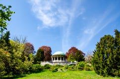 Vista da rotunda em Kurpark em Baden Áustria foto de stock