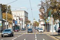 Vista da rua de Bolshaya Ordynka em Moscou Imagens de Stock