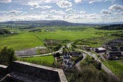 Vista da Stirling Castle ai terreni coltivabili qui sotto fotografia stock libera da diritti