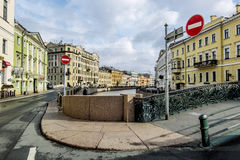 Vista da terraplenagem do rio de Moyka em St Petersburg Fotografia de Stock Royalty Free