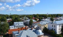 Vista da torre de sino da catedral da suposição em Veliky Ustyug Rússia foto de stock