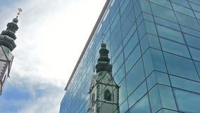 Vista da torre de sino da catedral de Klagenfurt filme