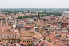Vista da torre de sino Torre Dei Lamberti em Verona Imagens de Stock Royalty Free