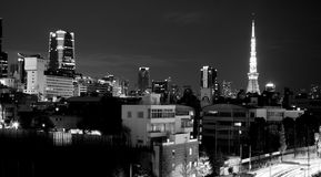 Vista da torre do Tóquio de Roppongi Hills fotografia de stock royalty free