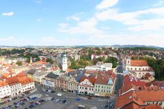Vista da torre preta, Klatovy, República Checa imagens de stock