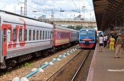 Comboios de passageiros em Rússia fotografia de stock