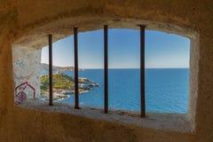 Vista da un posto di guardia nella cittadella a Calvi, Corsica Immagine Stock