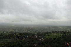 Vista da una collina un giorno nuvoloso Immagine Stock Libera da Diritti