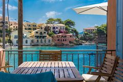 Vista da vila de Assos em Kefalonia Grécia Foto de Stock Royalty Free