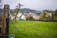 Vista da vila de Banassac, França Imagens de Stock