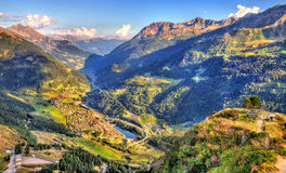 Vista da vila de Gotthard Pass, Suíça de Airolo Imagens de Stock Royalty Free