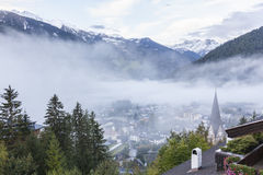 Vista da vila dos alpes de Matrei Fotografia de Stock