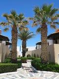 Vista da vila grega no architectur minoan tropical do estilo da Creta Foto de Stock