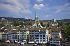 Vista da Zurique de um ponto de visão Fotos de Stock Royalty Free