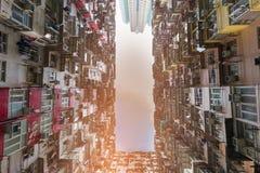 Vista dal basso ammucchiata dell'appartamento della residenza Fotografia Stock Libera da Diritti