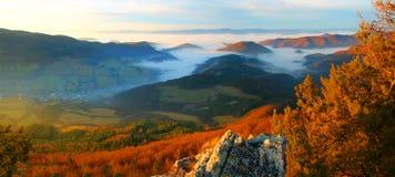 Vista dal  del peÄ del ¡ della collina Và Fotografia Stock