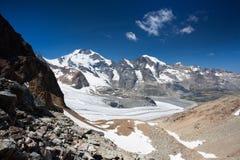 Vista dal Diavolezza alle montagne ed ai ghiacciai Immagine Stock