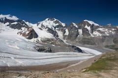 Vista dal Diavolezza alle montagne ed ai ghiacciai Fotografia Stock