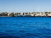 Vista dal mare alla fortezza di Rodi Immagini Stock Libere da Diritti