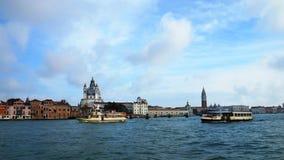 Vista dal mare alle viste di Venezia, Italia Fotografia Stock Libera da Diritti
