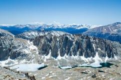 Vista dal Monte Whitney sulle montagne di Sierra Nevada Fotografia Stock Libera da Diritti