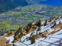 Vista dal Mt Stanserhorn in Svizzera nella primavera Fotografia Stock