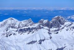 Vista dal Mt Titlis nelle alpi svizzere nell'inverno Fotografia Stock Libera da Diritti