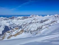 Vista dal Mt Titlis in Svizzera nell'inverno Immagini Stock