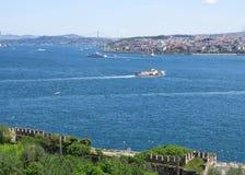 Vista dal parco Gulhane della città sul Bosphorus fotografia stock
