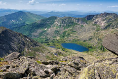 Vista dal passaggio al lago della montagna Fotografie Stock Libere da Diritti