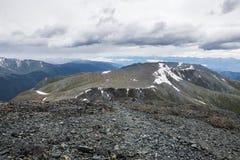 Vista dal passo di montagna di Karaturek Immagine Stock