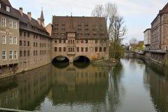 Vista dal ponte di Museumbrucke a Norimberga Immagini Stock Libere da Diritti
