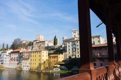 Vista dal vecchio brige a Bassano del Grappa fotografie stock