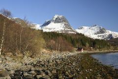 Vista dal villaggio Bratland nel Nord della Norvegia Immagini Stock Libere da Diritti