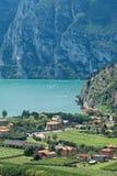 Vista dal villaggio del Nago sul lago Garda, Italia Fotografia Stock Libera da Diritti