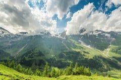 Vista dall'alta strada alpina di Grossglockner sulle montagne Fotografia Stock Libera da Diritti