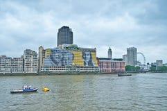 Vista dall'argine della Victoria, Londra Immagini Stock Libere da Diritti