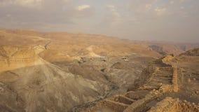 Vista dalla vista aerea delle pareti della fortezza di masada fotografia stock libera da diritti