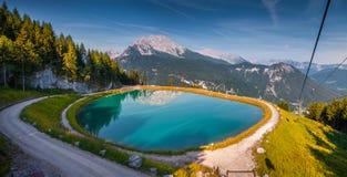 Vista dalla cabina della teleferica sopra il lago Konigsee in alpi tedesche Fotografia Stock Libera da Diritti