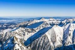 Vista dalla cima del paesaggio delle montagne di Tatra Immagini Stock