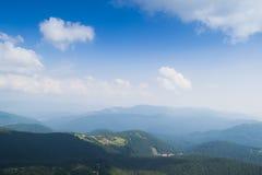 Vista dalla cima della montagna Hoverla, montagne carpatiche Fotografia Stock Libera da Diritti