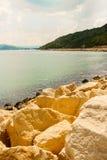 Vista dalla città di Balchik, località di soggiorno di Albena in Bulgaria dal sentiero costiero Immagini Stock Libere da Diritti