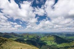 Vista dalla cresta della montagna Fotografie Stock